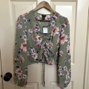 NWT Rue21 Floral Crop Blouse